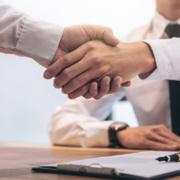 Guía básica para la firma de contratos de juegos de mesa