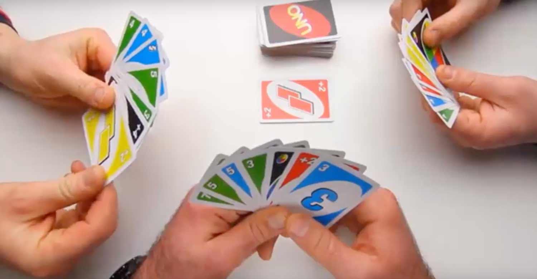 uno-juego-de-mesa-cartas2