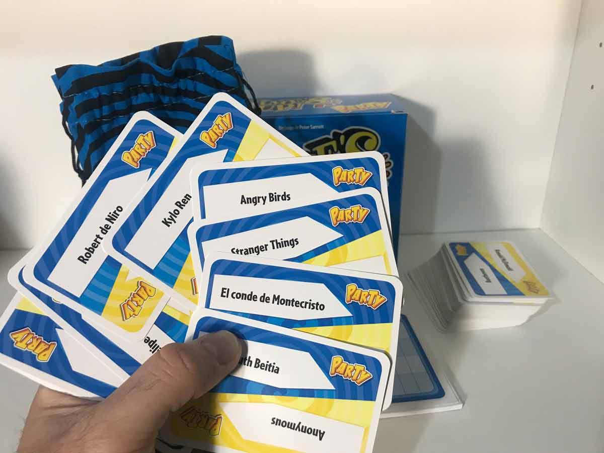 times-up-juego-de-mesa-cartas2